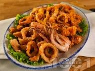 Рецепта Панирани пържени калмари с хрупкава коричка от корнфлейкс